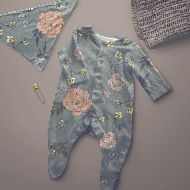Gotta start making baby clothes! How cute? . . . #surfacepatterndesign  #surfacepattern #patterndesign #floralpattern #botanicalpattern #illustration #botanicalillustration #babyclothes #fabricdesign #swedishpatternsociety