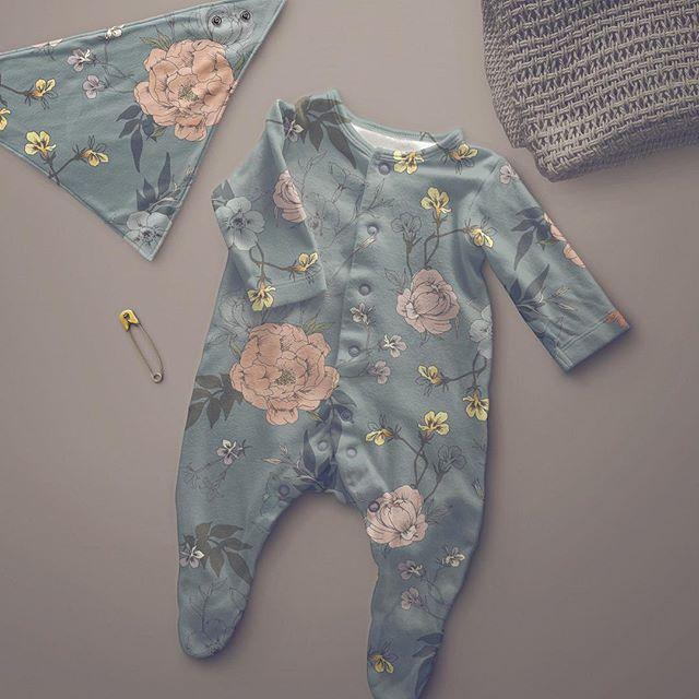 Gotta start making baby clothes! How cute? . . . #surfacepatterndesign  #surfacepattern #patterndesign #floralpattern #botanicalpattern #illustration #botanicalillustration #babyclothes #fabricdesign #swedishpatternsociety
