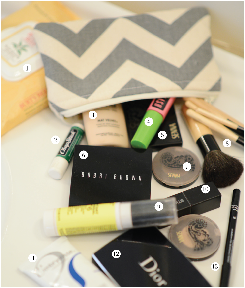 makeup-must-haves-when-traveling