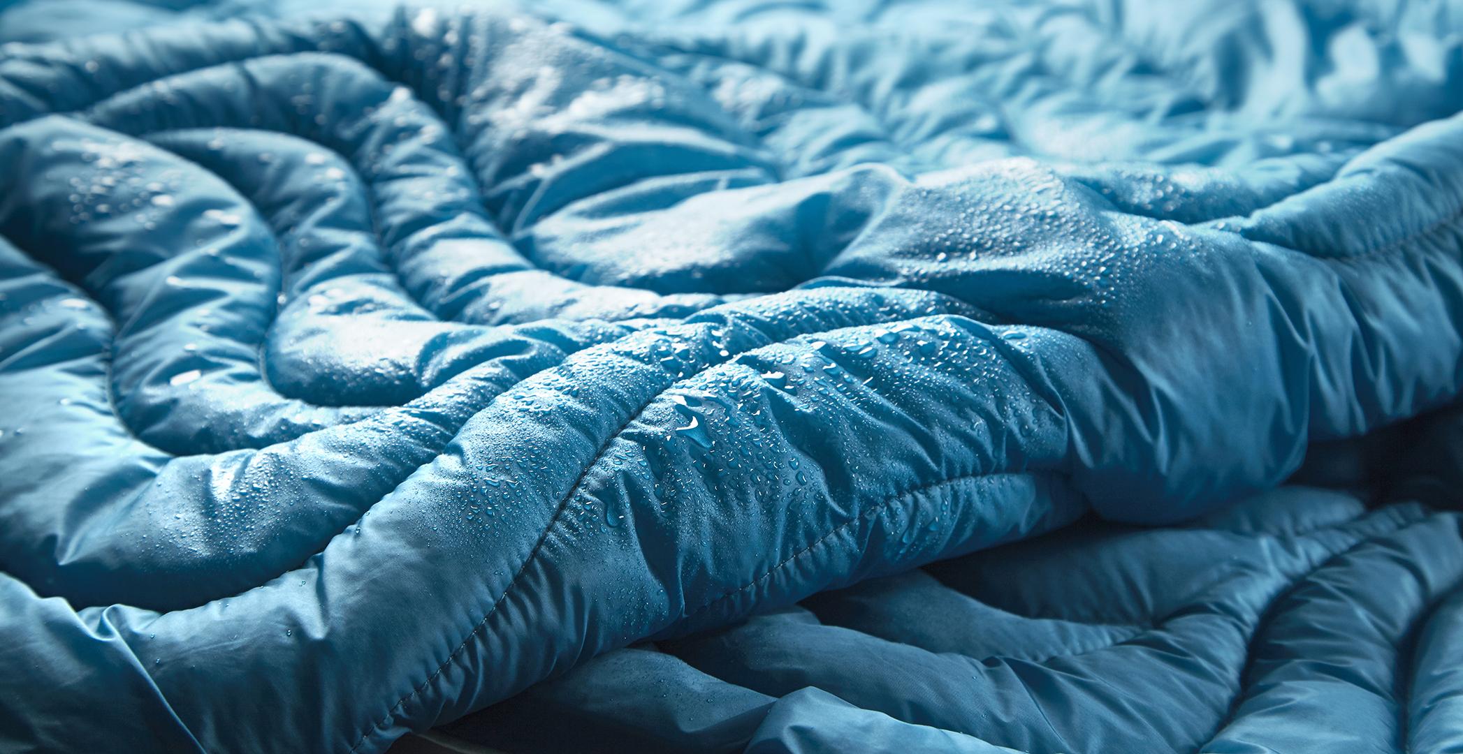 BedGearBlanket_Stitching2_Wet.jpg