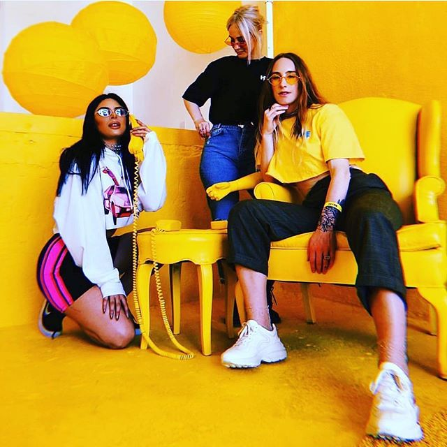 When the whole squad is litt 🔥🔥✊🏾 Looking to bond with other dope #Fashionpreneurs or #Fempreneurs? Click link in bio to join us!