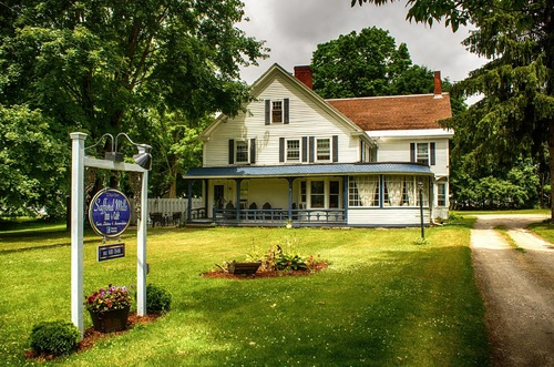 SAFFORD MILLS INN & CAFE      RATES $155-195      BOOK YOUR RESERVATION