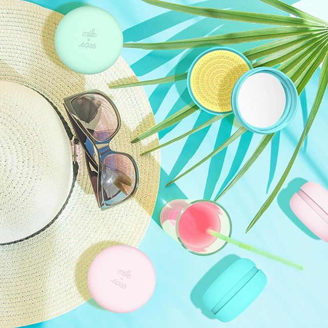 Essentials 🕶  THE PASTEL CRAZE! Our functional cute travel hairbrushes are available on our website. Link in bio.💛 #summeriscoming #musthave #summeressentials #socute #pastel