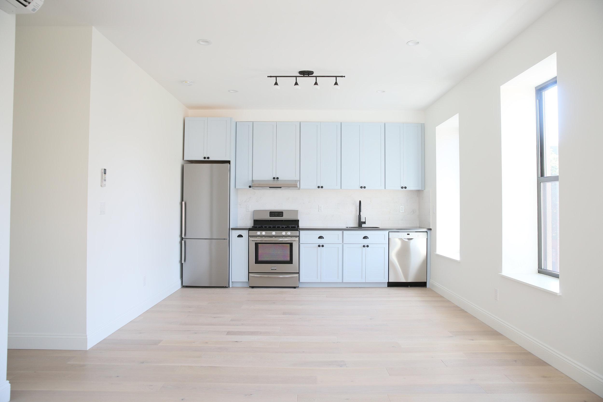 10 apt 2 kitchen.jpg