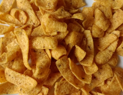 Fritos = Corn, corn oil and salt. Terribly vegan.