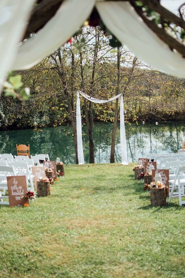 What a gorgeous venue Willow Creek Acres is! | Kingsport, TN Wedding Photography