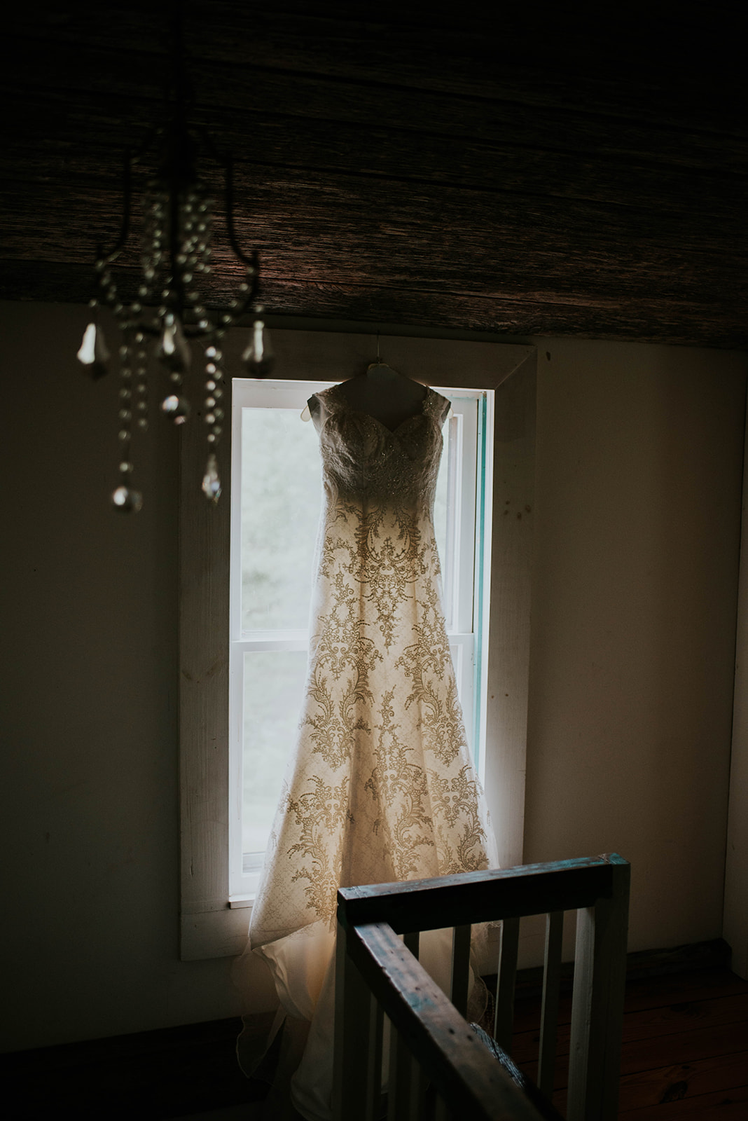 Intimate Mountain Wedding at White Fence Farm in Trade, TN