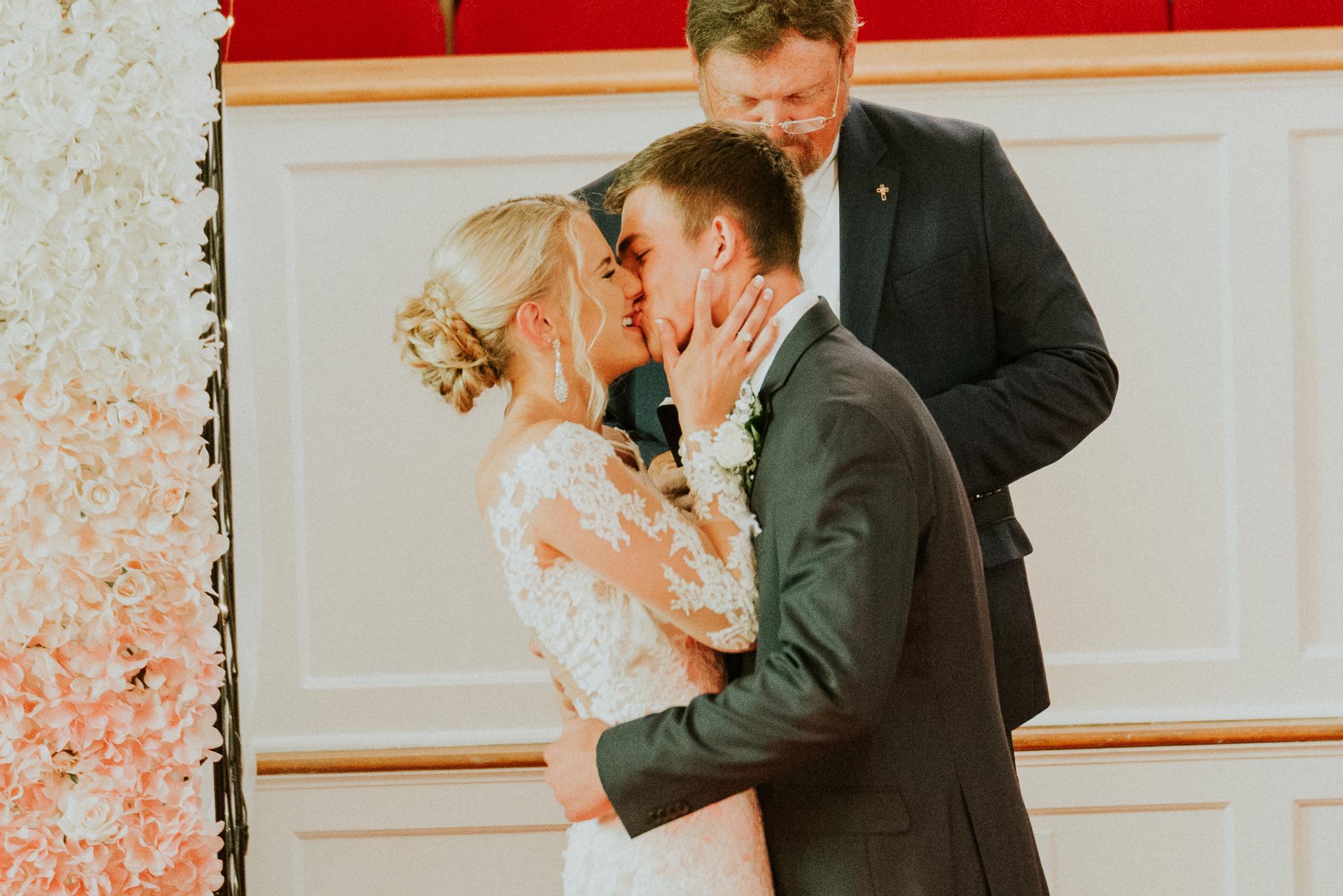 east-tn-wedding-photographer-tennessee-elopement-photographer-kingsport-tn-wedding-photographer (28 of 50).jpg
