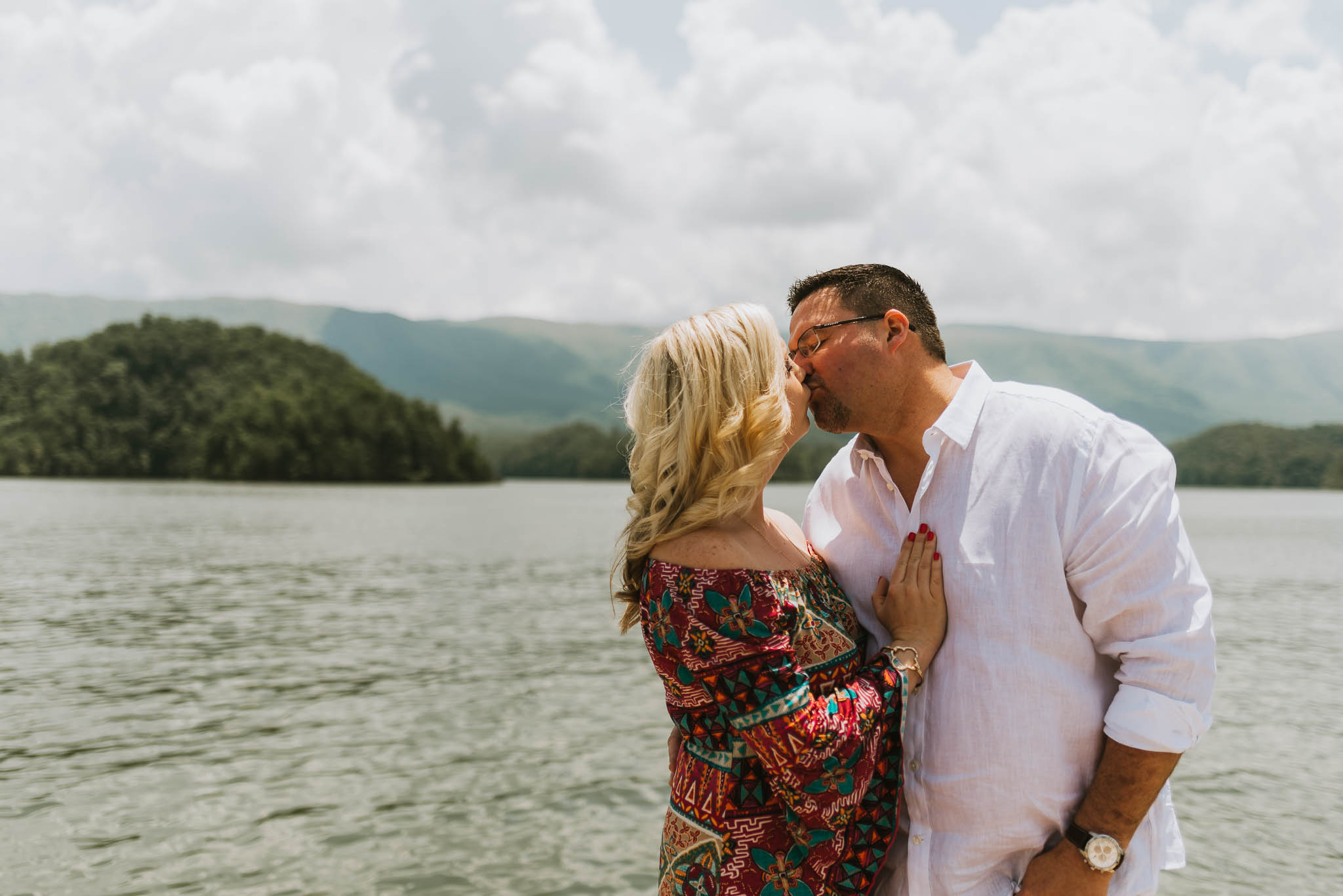 South Holston Lake Engagement Session, Northeast Tennessee Wedding Photographers, East Tennessee Wedding Photographers, Kingsport, TN Wedding Photographers, Knoxville, TN Wedding Photographers (1 of 1).jpg