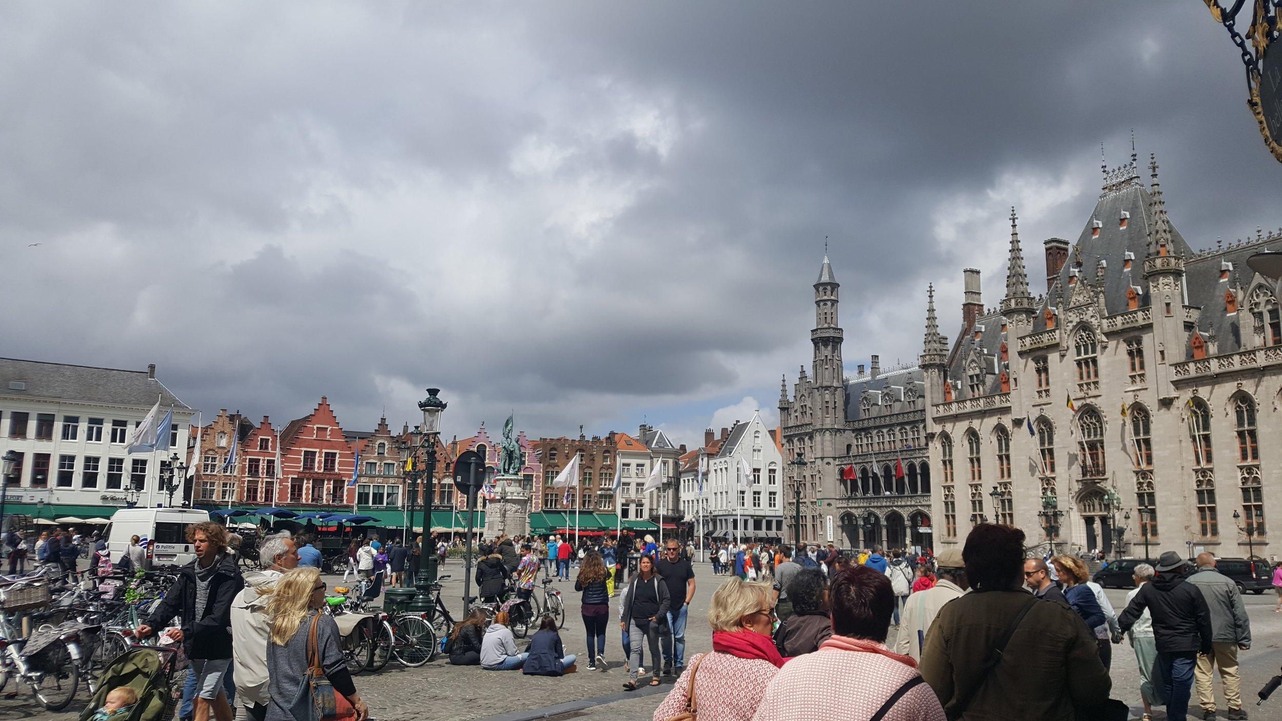 markt street life.jpg