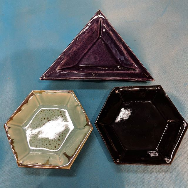 Playing with mixing studio and commercial glazes. Being able to make little dishes using my #grpotteryforms is just an added bonus.  #saturationgold #eggplant #licorice #mintcreme