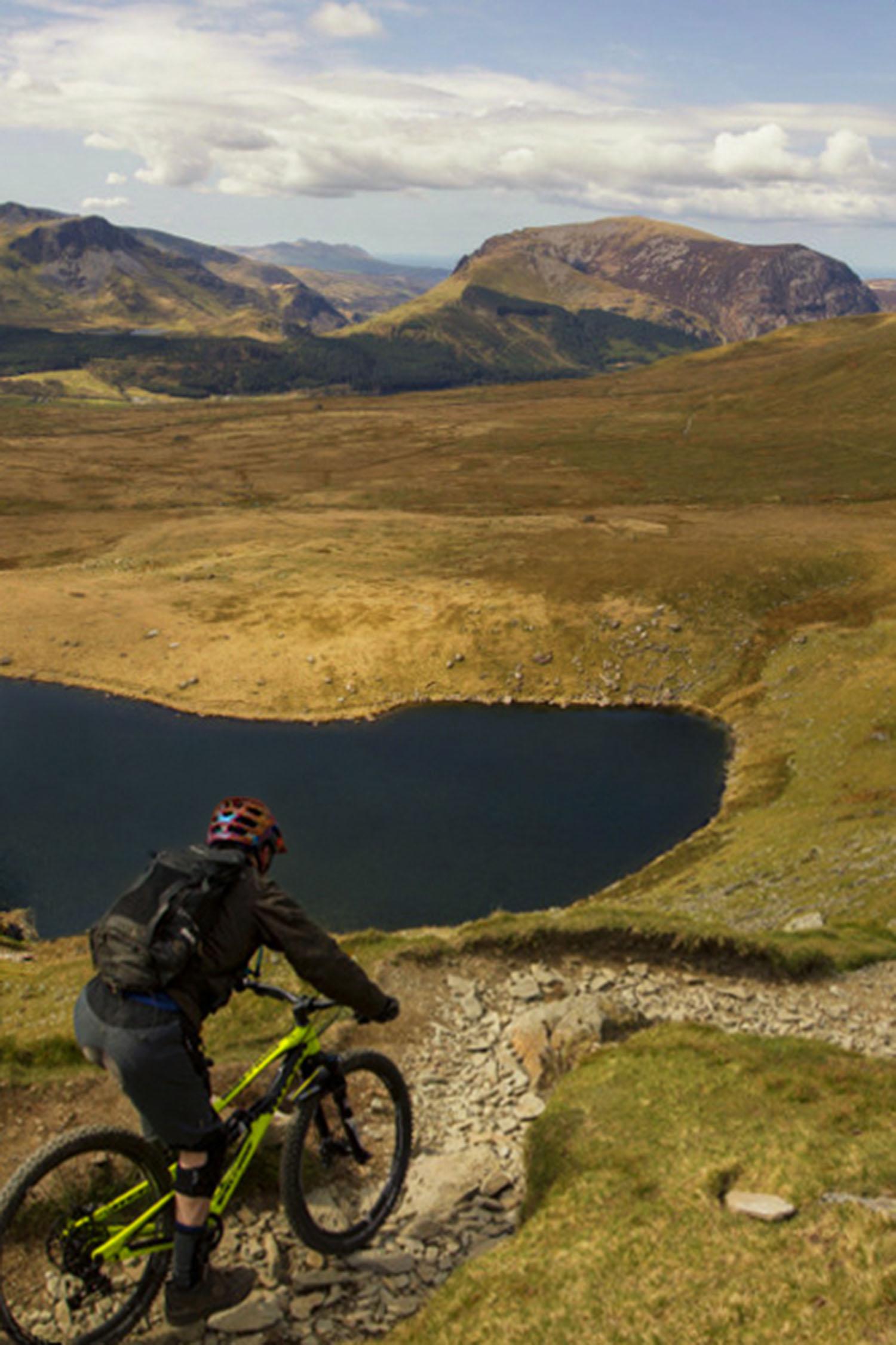 Snowdon_Ranger_Mountain_Bike_Descent_Web.jpg