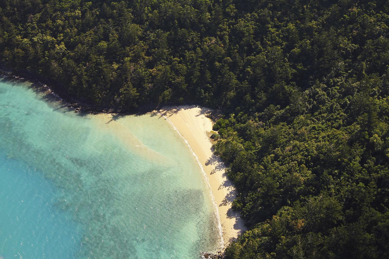 Island_beach_from_above_web.jpg