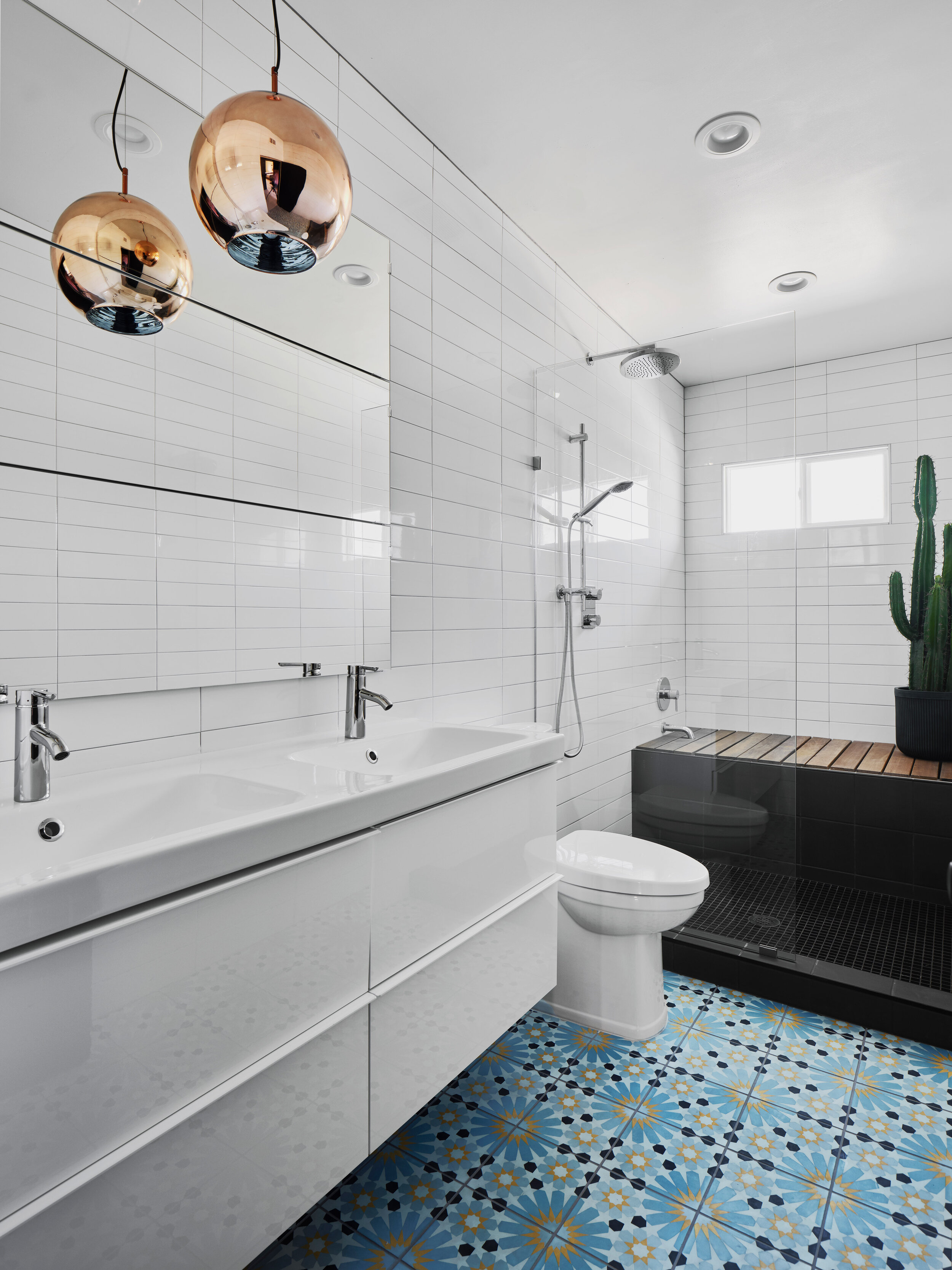 Tony Williams Eisenhower Airbnb bathroom.jpg