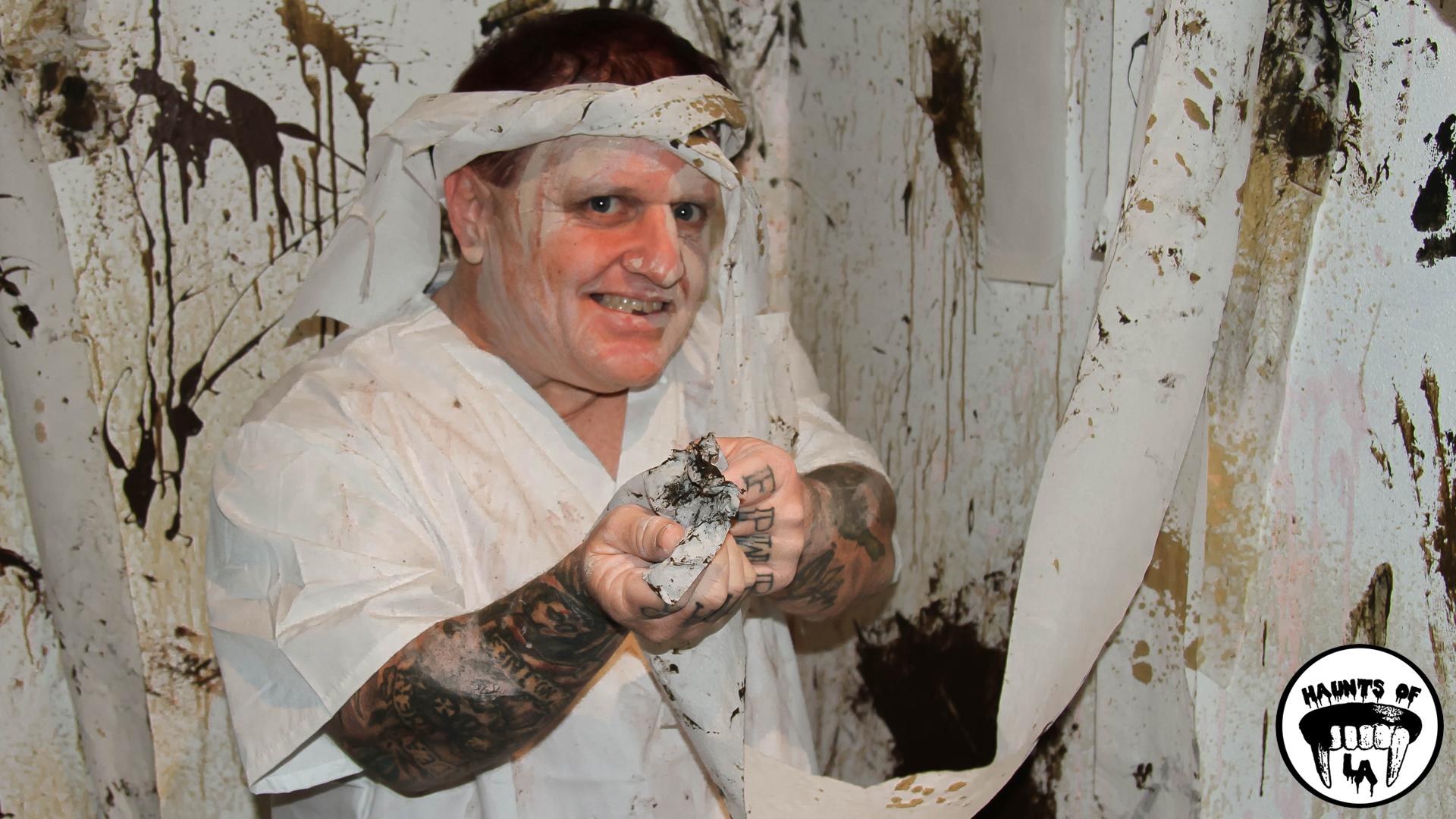 HOLA 18.10.07 Pycho Sanitarium.jpg
