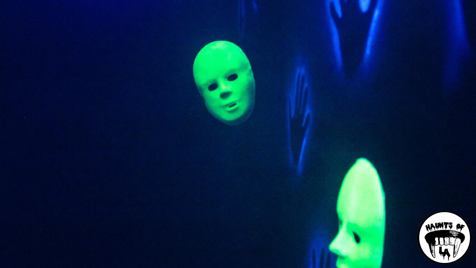 HOLA 18.10.28 - Club Fear 01.jpg
