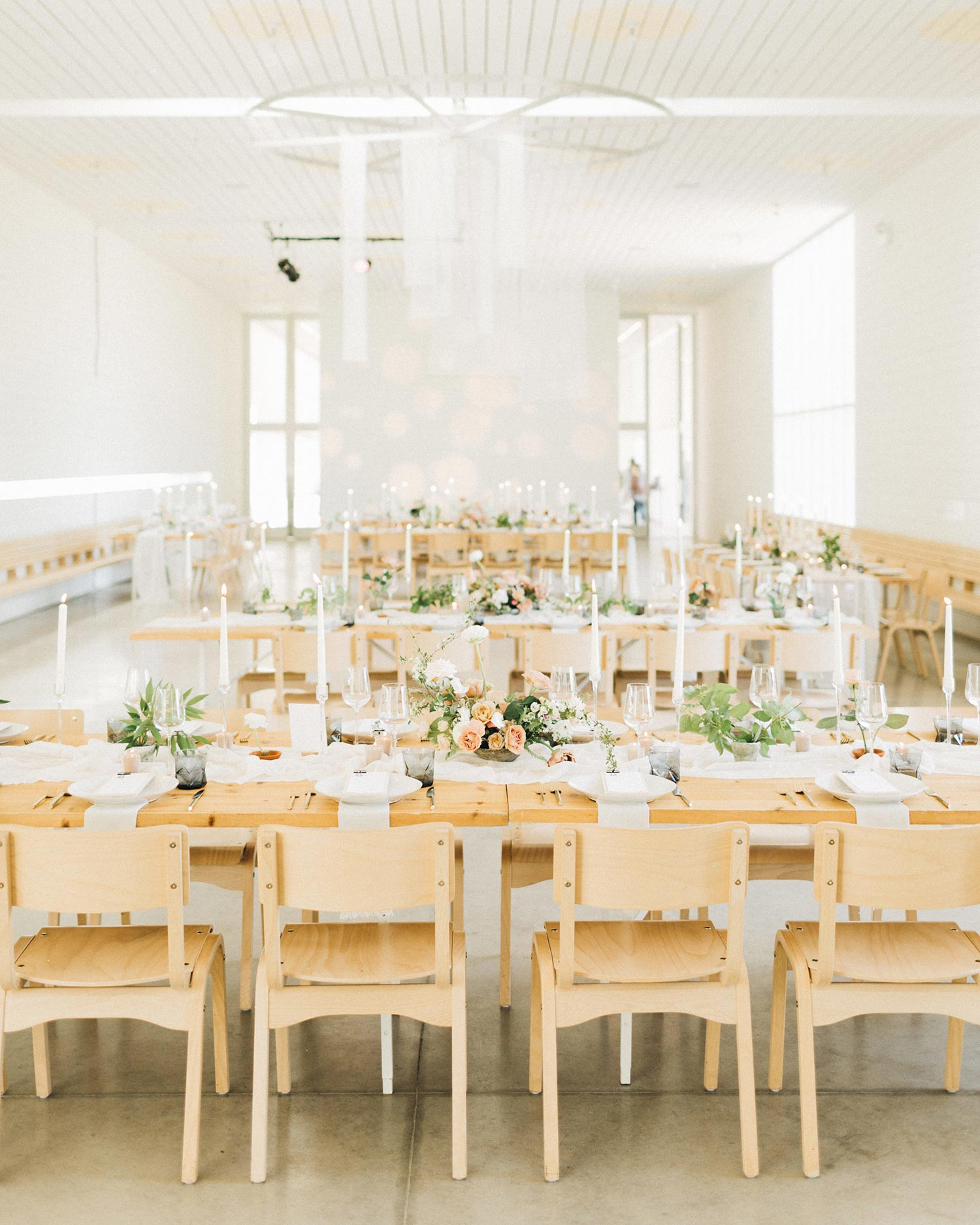 Reception flowers by florist Color Theory Collective