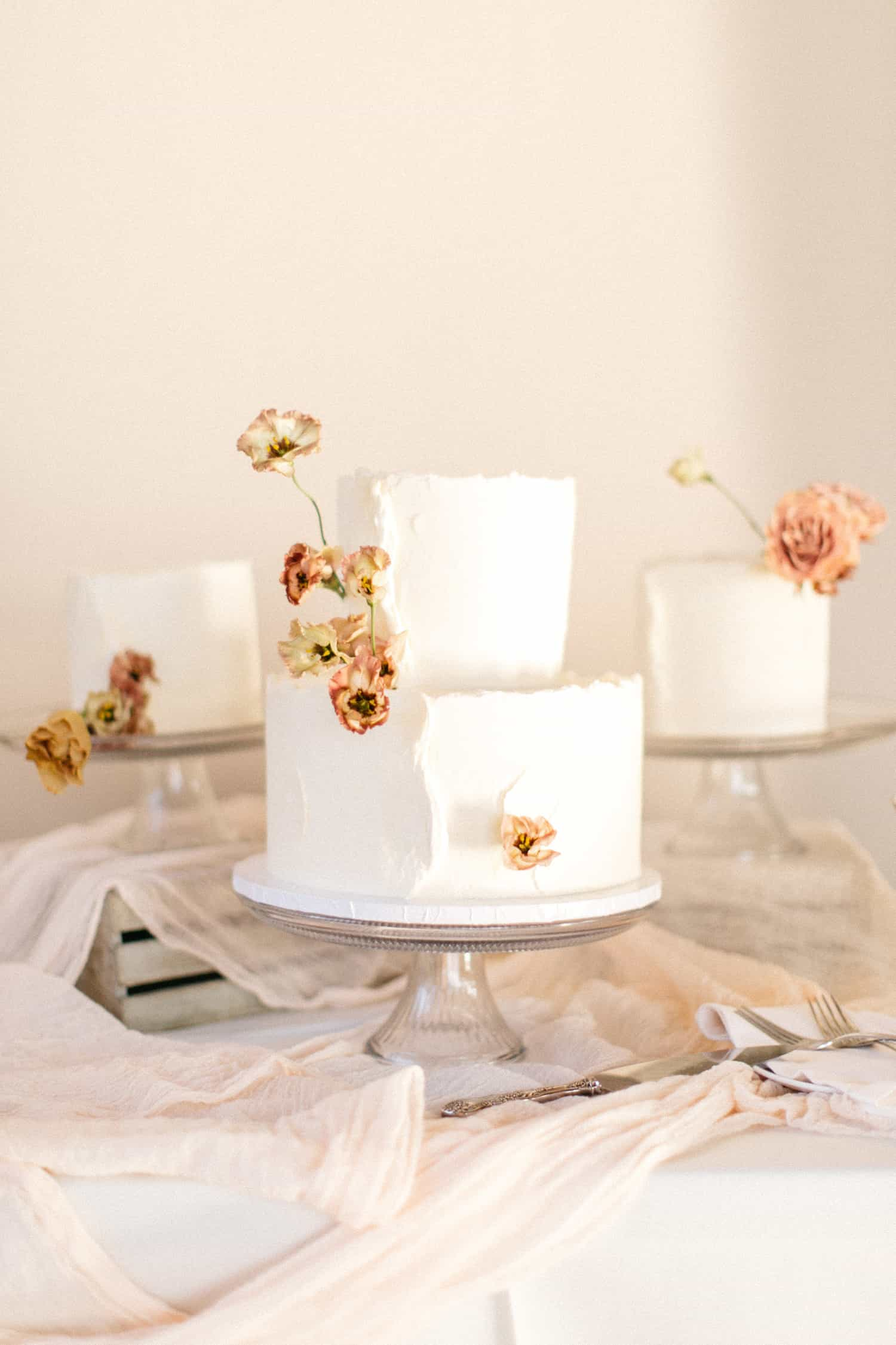 Cake flowers by Color Theory Collective