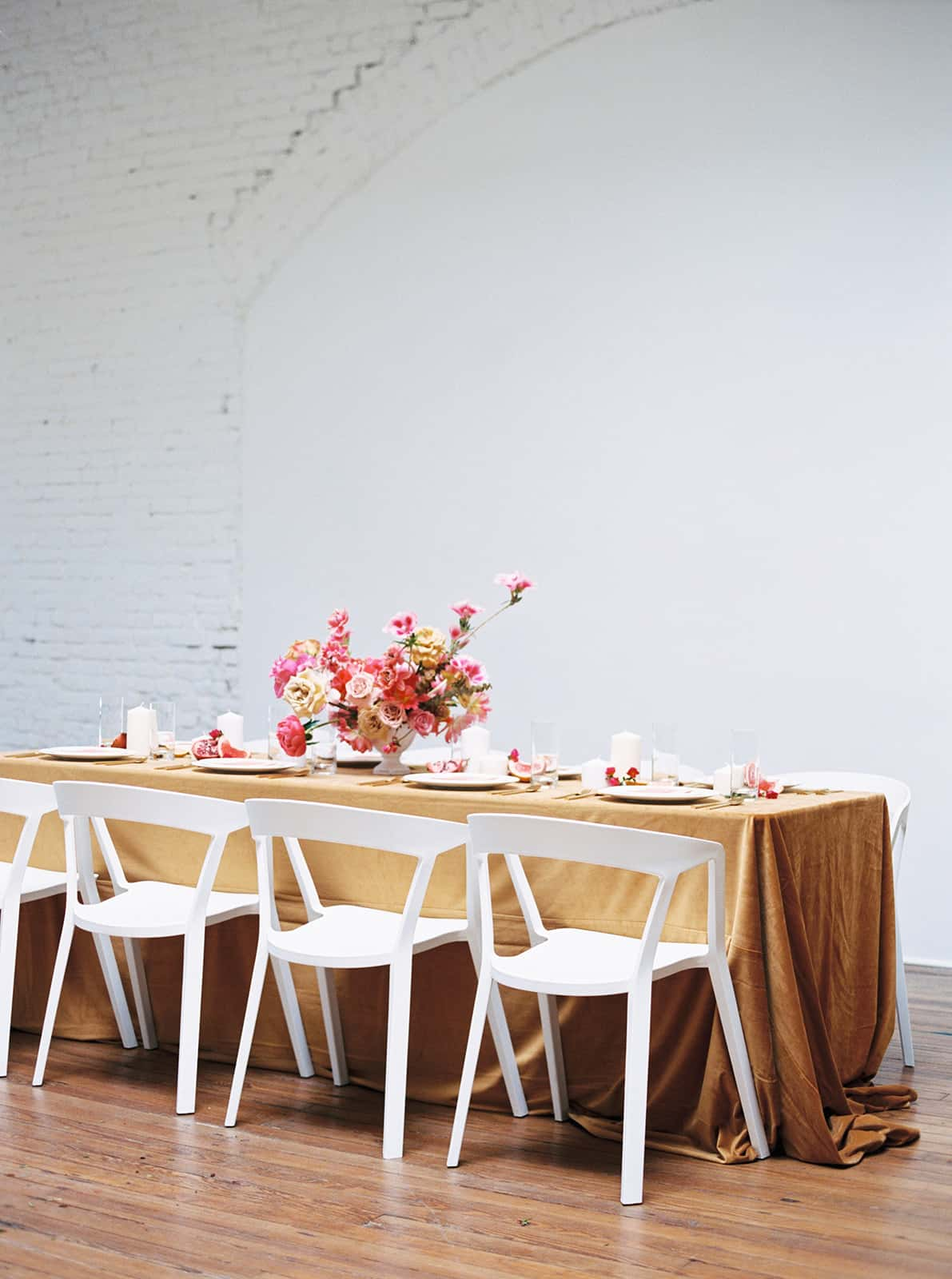 Exquisite tablesetting designed and styled by Color Theory Collective