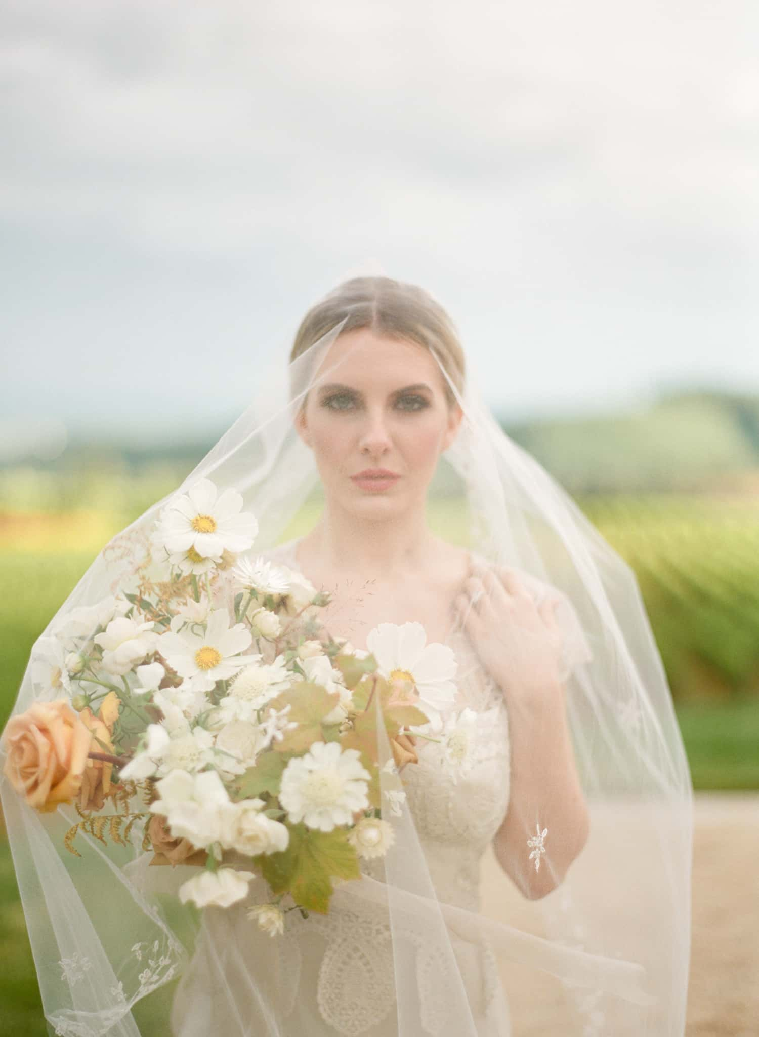 Bridal Portrait | Flowers by Color Theory Collective