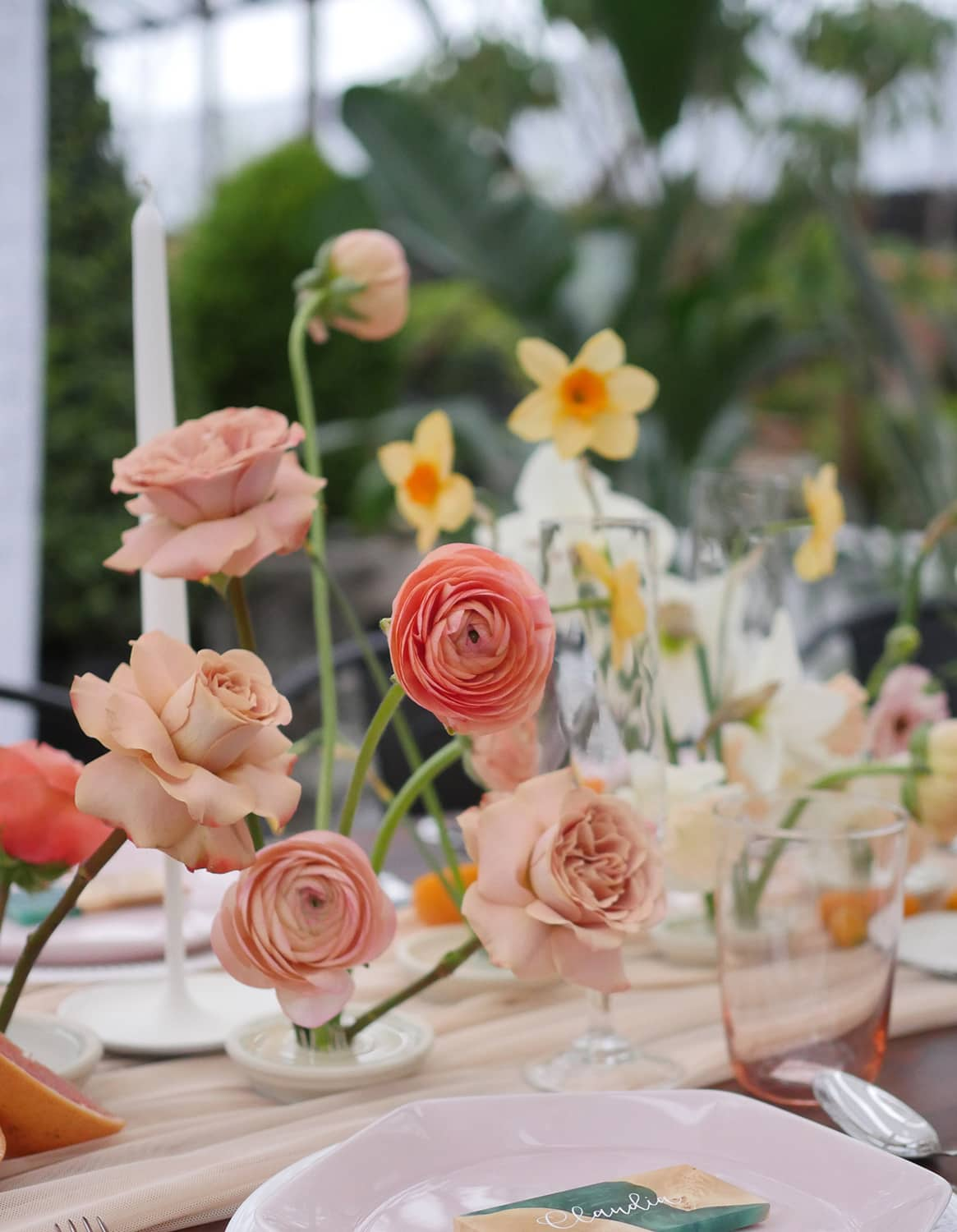 Summer blooms at a Seattle wedding