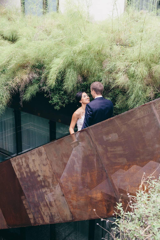 Portland-florist-bride-groom-wedding-first-look.jpg