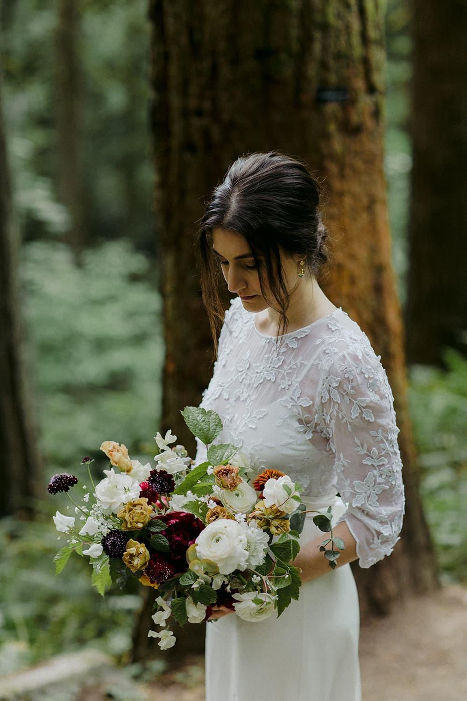 portland-oregon- bride-flowers-wedding.jpg