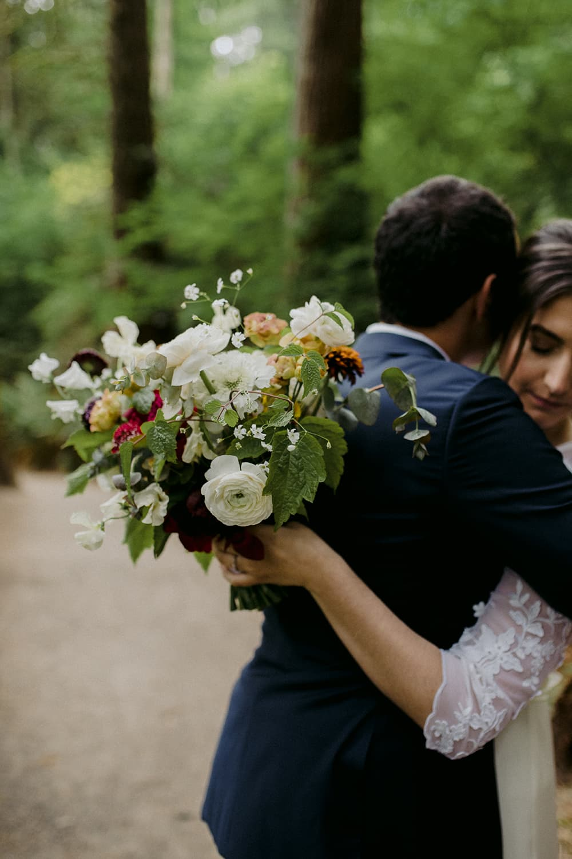 portland-oregon-wedding-florist-bride-flowers.jpg