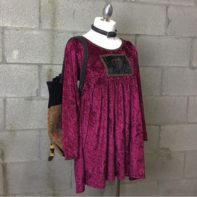 Contemporary maroon embroidered heart patch dress, size S/M, $24 [SOLD]  Textured brown backpack with draw string closure, $20  #anastasiasvintage #vintageclothingberkeley #buyselltradeclothingberkeley #cashforclothesberkeley #anastasiasnewandusedberkeley #vintagetradingtelegraph