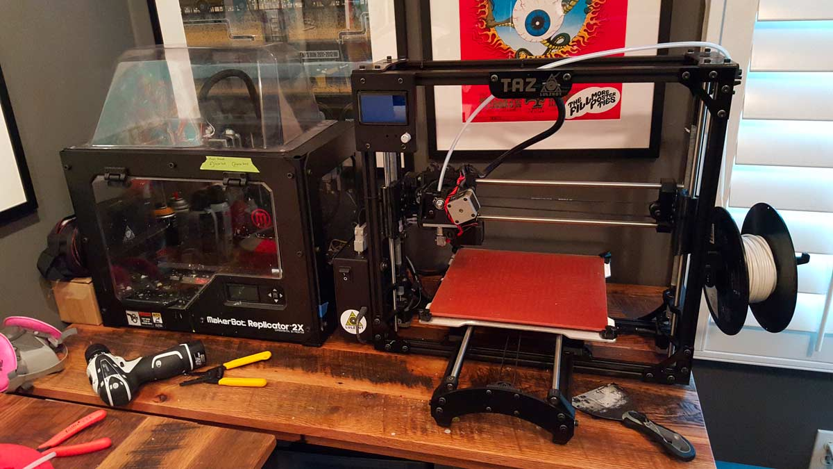 This will be the new setup when the Makerbot is fixed. Until then it's time to break in this Taz.