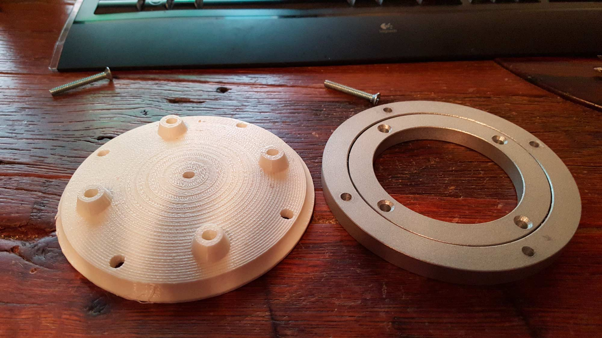 Next up is the other side of the magnetic coupling, the DMM. I'm using a small lazy susan bearing in the head to keep all the mechanics as low down as possible. So I first printed a test piece to make sure everything lined up.