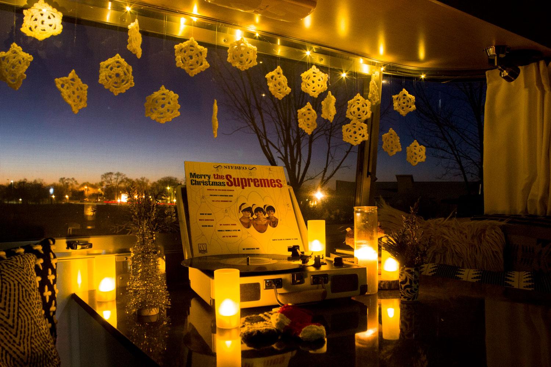 christmas-in-the-camper-06.jpg