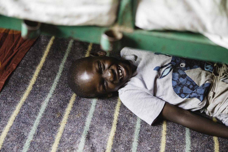 sarah-danielle-photography-Uganda-Orphanage-79.jpg