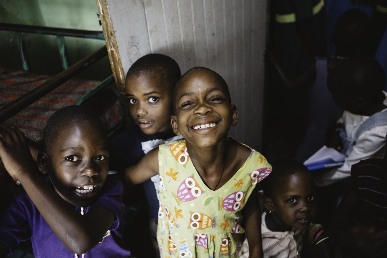 sarah-danielle-photography-Uganda-Orphanage-150.jpg