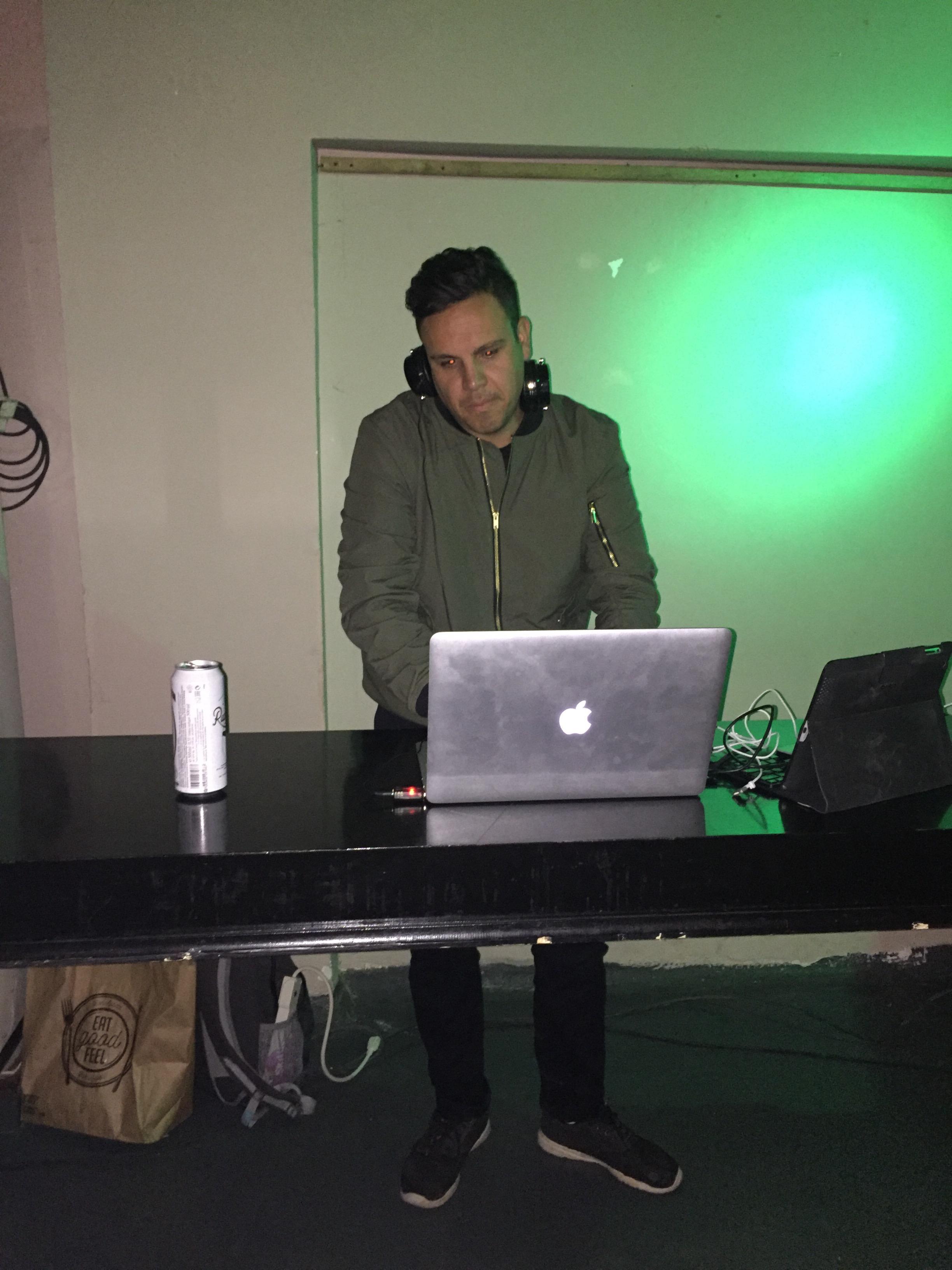 DJ AA-RON