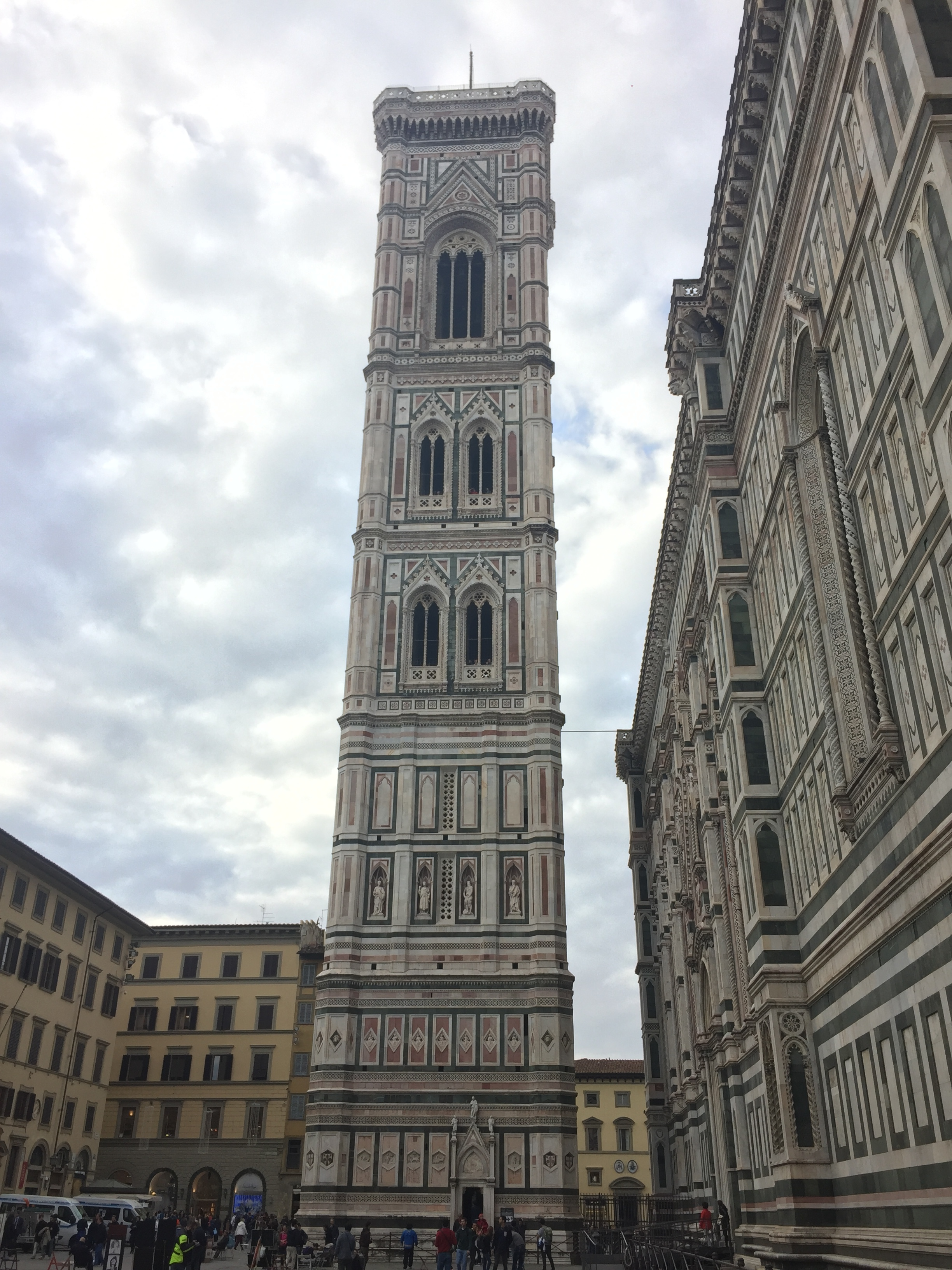 Pisa had more than just leaning towers. This one stood up on its own.