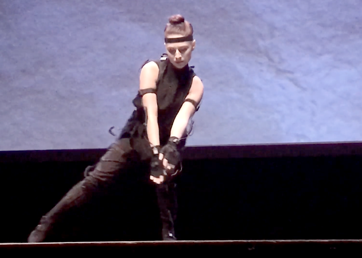 Lauran Bedal performing Duality at 3D Webfest