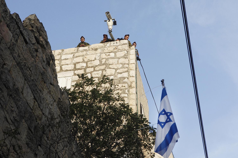 7 An Israeli checkpoint, Hebron, West Bank.jpg