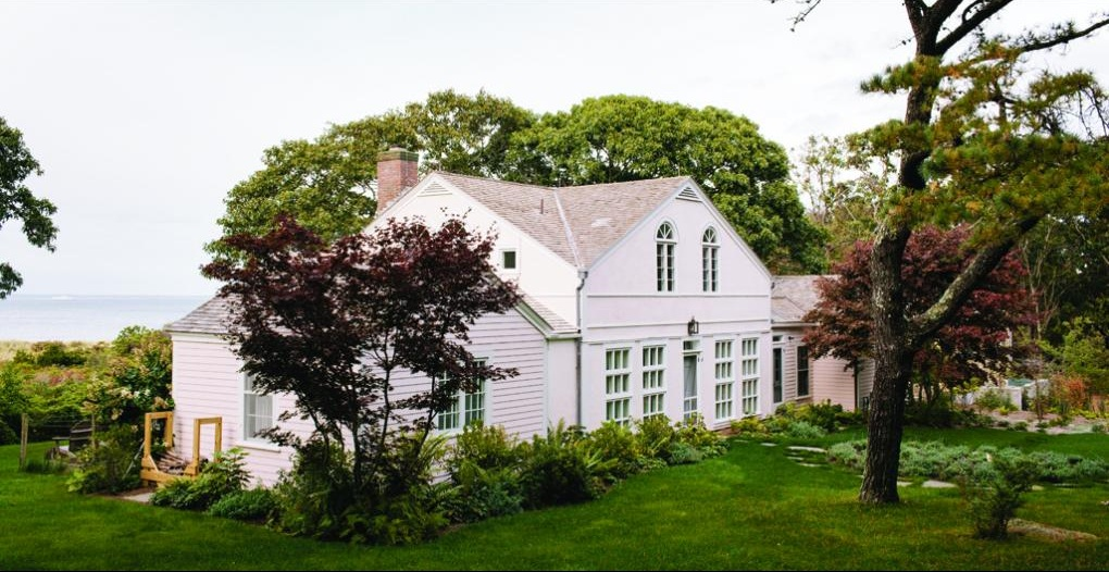 To read about this historic house in Martha's Vineyard Magazine   click here  .