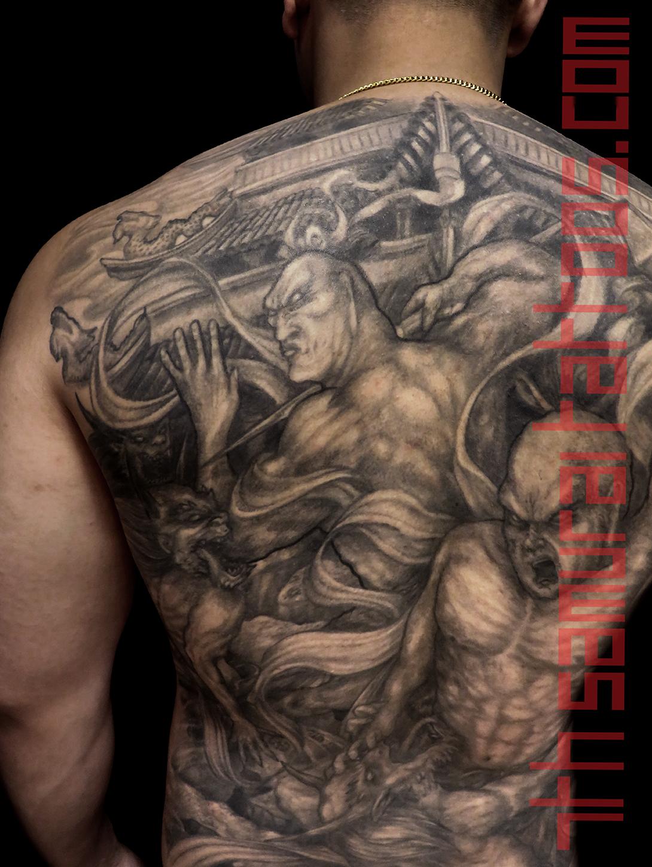 9.5 PORT 16jun24 IMG_2159 bradley temple Nio guardians Agyo Ungyo Raijin Fujin fighting demons buddhist 7th Samurai Kai Asian backpiece close up1.jpg