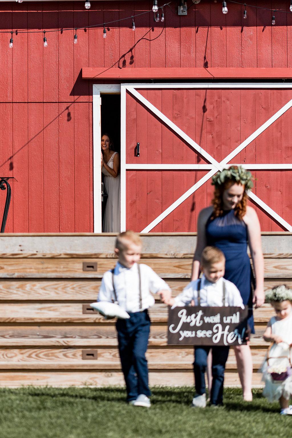 Sonshine_barn_northern_michigan_wedding_-64.jpg