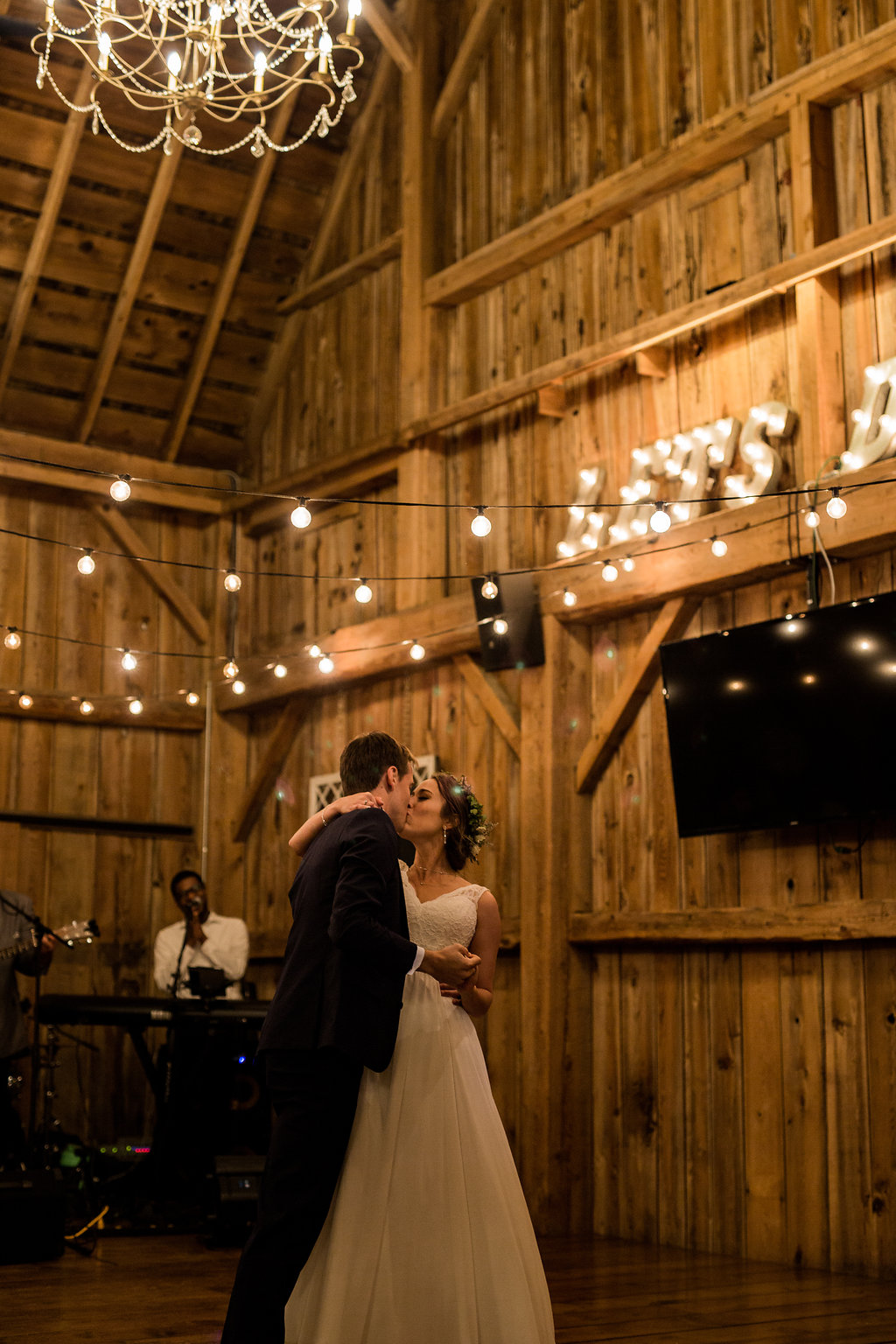 Sonshine_barn_northern_michigan_wedding_-88.jpg