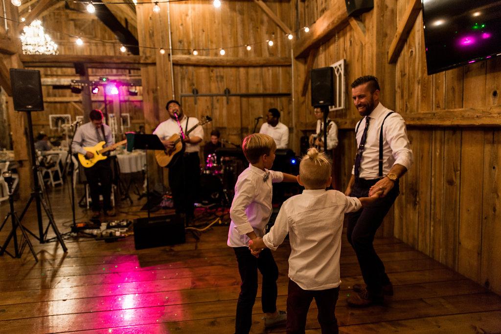 Sonshine_barn_northern_michigan_wedding_-93.jpg