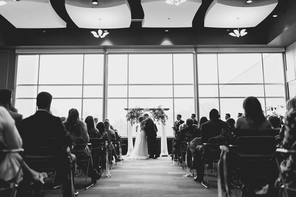 best_midwest_wedding_photographer_JMH_photography-65.jpg