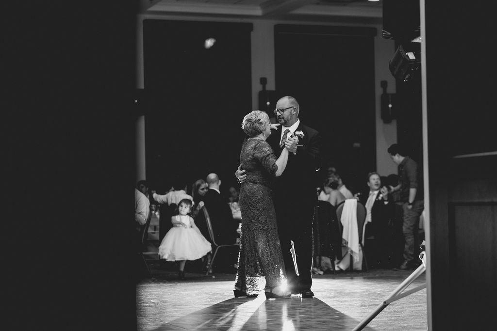 best_midwest_wedding_photographer_JMH_photography-115.jpg