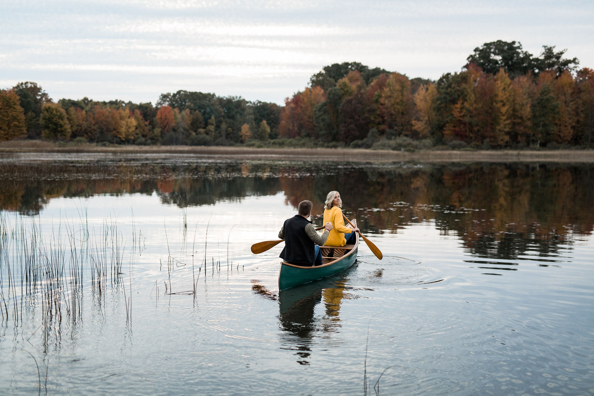 Michigan_fall_engagement_proposal_photographer_adventure_couple_-48.jpg
