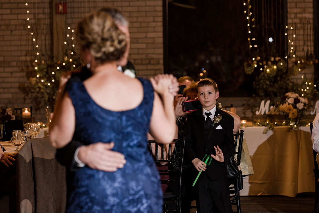 Michigan_wedding_photographer_baker_loft_wedding_-75.jpg
