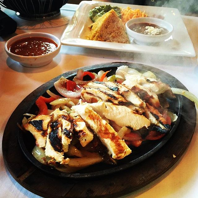 #FajitaFriday in full effect!  #tgif #friday #mexican #food #chicken #fajitas #lunch #dinner #foodie #foodporn #nomnom #yummy #delicious #foodstagram #instafood #instagood #foodgasm #foodpics #hungry #happy #enjoy #bestoftheday #picoftheday #eat #eating #goodeats #dallas #restaurant #rjmexicancuisine