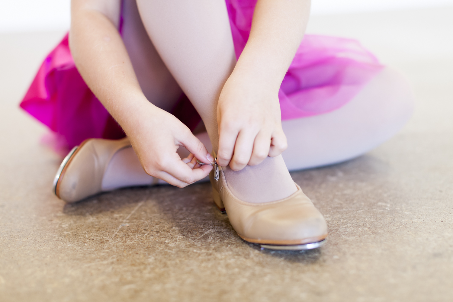TAP   Tap classes are a fun environment in which students learn exercises and routines. Tap dancing can improve students co-ordination, rhythm and cognitive skills whilst enhancing mental and muscle memory.
