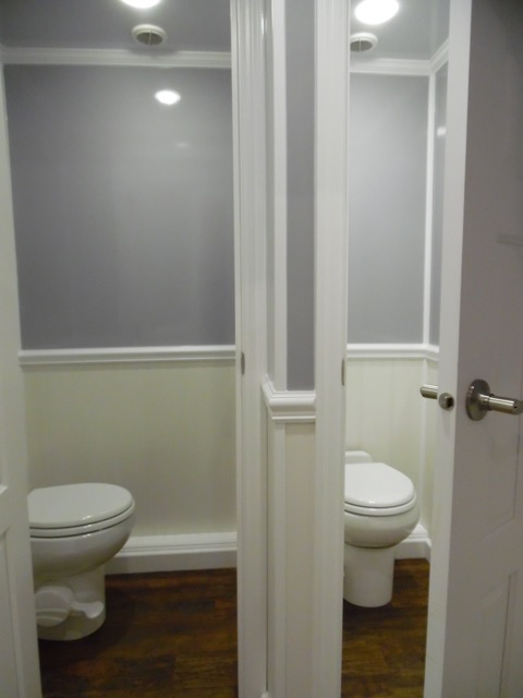 Women's Suite with 2 Stalls